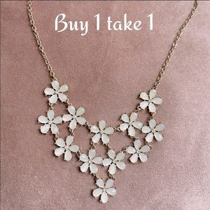 Statement necklace Buy 1 get 1 free